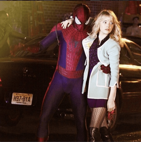 andrew-garfield-and-emma-stone-in-the-amazing-spider-man-2-this-outfit-has-sparked-speculation-that-gwen-would-die-in-the-film